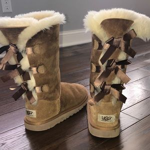 AUTHENTIC UGG Bailey Bow tall brown boots